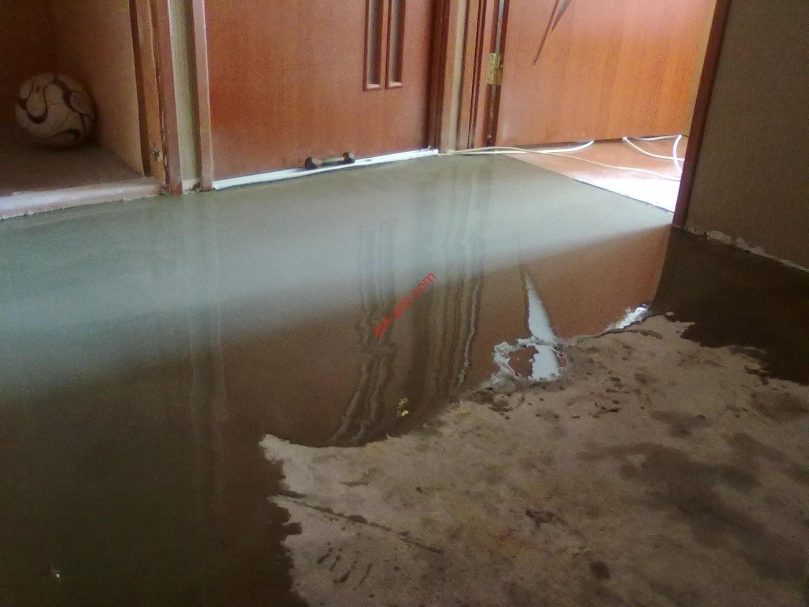 Leveling the floor with a self-leveling compound: screed and drying time for bulk, better gypsum and cement - home decor.